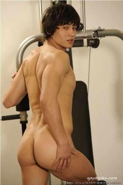 Для любителей узбекских и прочих восточных мальчиков. 144 гей-фото голого парня по имени Ахмед.