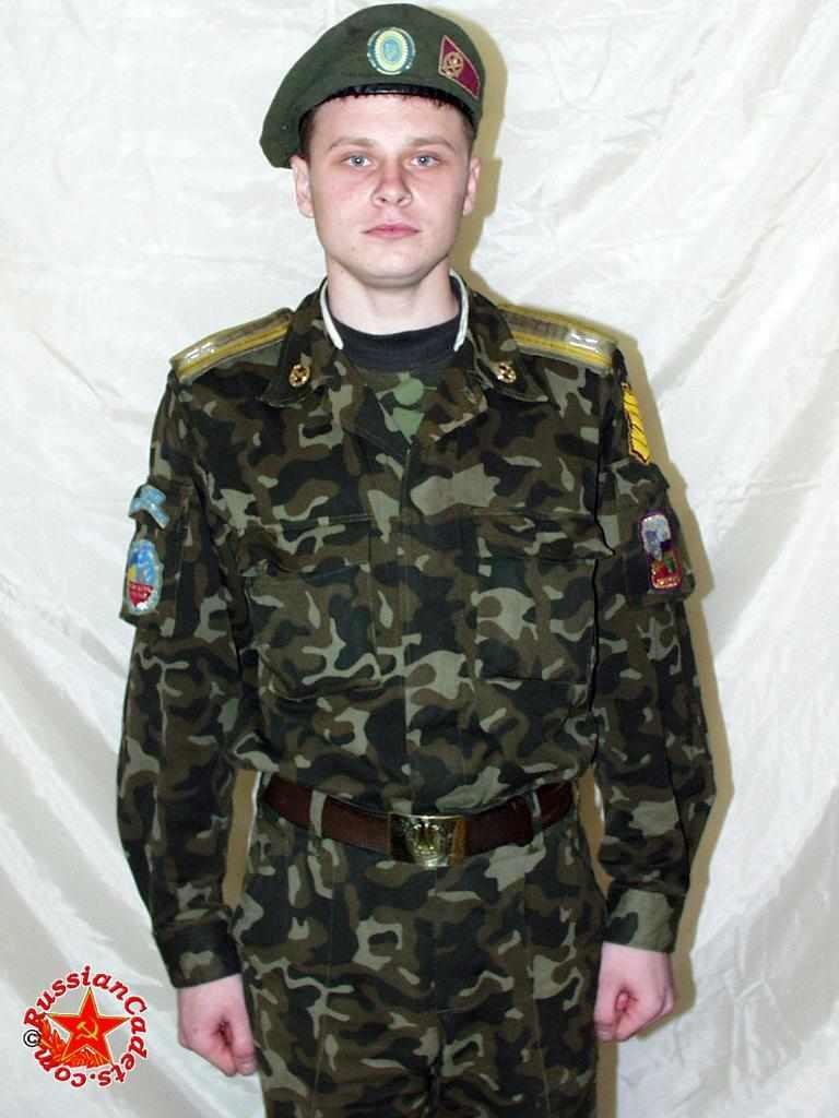 Парень в военной форме по имени Алексей снялся в фотосессии из 185 фотографий